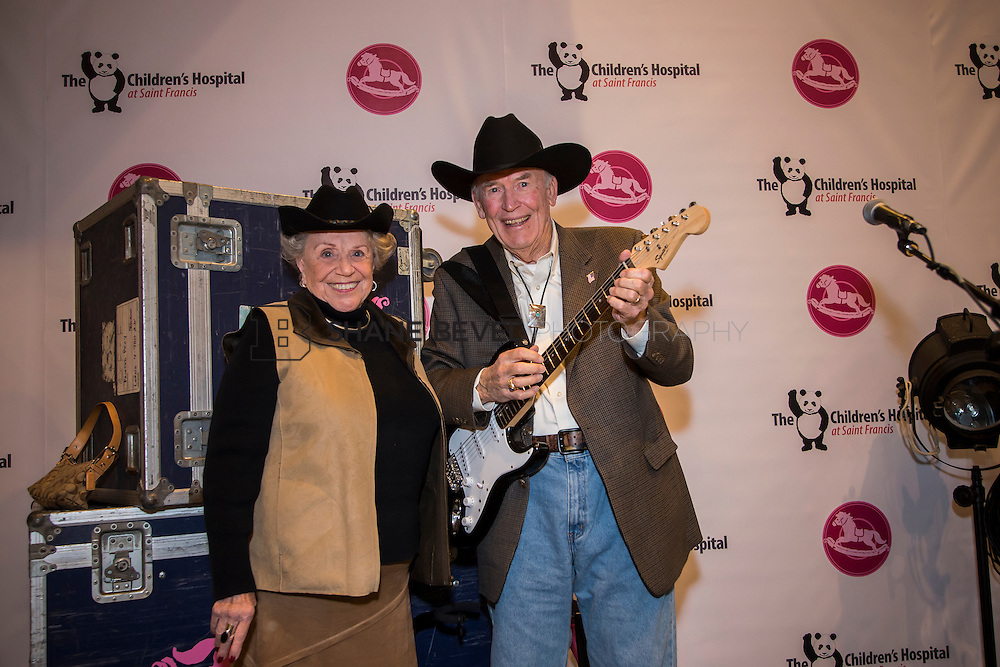 11/1/13 6:28:16 PM --- 2013 Painted Pony Ball for The Children's Hospital at Saint Francis with Chris Young and Dwight Yoakam. <br /> <br /> Photo by Shane Bevel