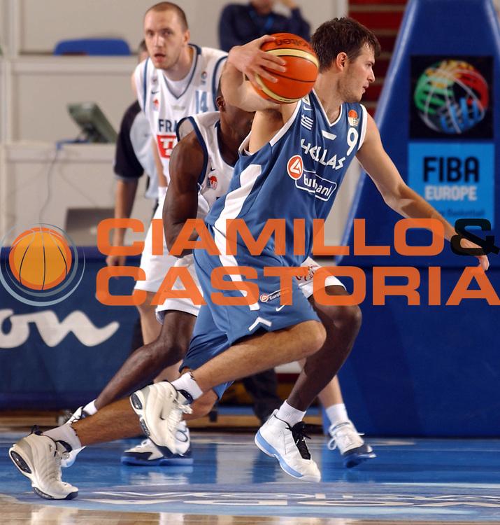 DESCRIZIONE : Belgrado Eurobasket Men 2005 Francia-Grecia<br /> GIOCATORE : Fotsis<br /> SQUADRA : Grecia Greece<br /> EVENTO : Eurobasket Men 2005 Campionati Europei Uomini 2005<br /> GARA : Francia Grecia France Greece<br /> DATA : 16/09/2005<br /> CATEGORIA :<br /> SPORT : Pallacanestro<br /> AUTORE : Ciamillo&amp;Castoria/Fiba Europe Pool