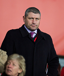 CARDIFF, WALES - Tuesday, February 11, 2014: Wales coach Osian Roberts watches Cardiff City take on Aston Villa during the Premiership match at the Cardiff City Stadium. (Pic by David Rawcliffe/Propaganda)