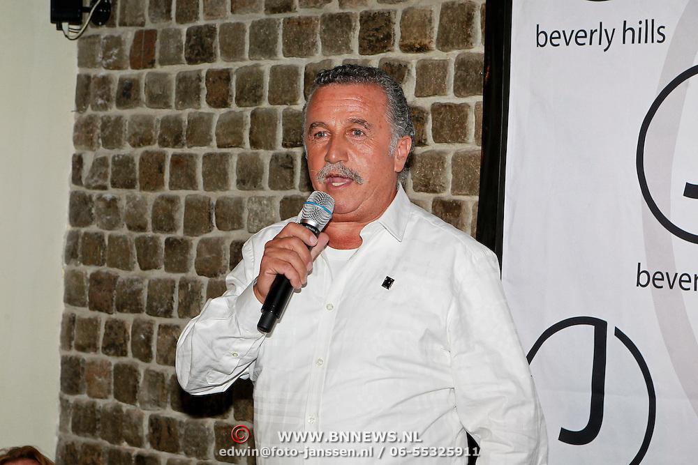 NLD/Amsterdam/20110323 - Presentatie J Beverly Hills produten van Hollywoodkapper Juan Juan, Juan en Jan Swinkels