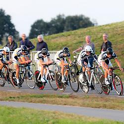 27-09-2016: Wielrennen: Olympia Tour: Hardenberg  <br />HARDENBERG (NED) wielrennen  <br />Nederlands oudste wielerkoers ging van start in Hardenberg met een ploegentijdrit. Willebrord Wil Vooruit