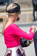 Werkbezoek van  Koning Willem Alexander en  Koningin Maxima aan de Duitse deelstaten<br /> Mecklenburg-Voor-Pommeren en Brandenburg.<br /> <br /> Working visit by King Willem Alexander and Queen Maxima to the German states of Mecklenburg-Western Pomerania and Brandenburg.<br /> <br /> Op de foto / On the photo: Aankomst bij Staatskanselarij en begroeting door minister-president Schwesig met echtgenoot // Arrival at State Chancellery and greeting by Prime Minister Schwesig with husband