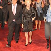 NLD/Rotterdam/20060923 - Premiere Willeke Alberti tour `Goud `, Nina Brink en partner Ab