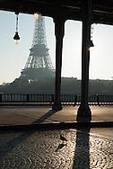 France. Paris. 16th district .  Bir Hakeim bridge  crossing the seine river, in the distance the Eiffel tower / le pont de bir hakeim sur la seine dans le lointain la tour Eiffel.