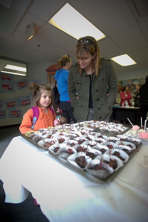 WASHINGTON (2010-2011) -- River School Kids, bake sale.  Photo by Johnny Bivera