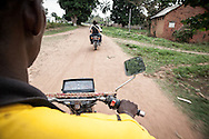 Repubblica Democratica del Congo e Repubblica Centrafricana, 2012<br /> Lavorare in Africa<br /> Moto-tassista<br /> <br /> Democratic Republic of Congo and Central African Republic, 2012<br /> Working in Africa<br /> Bike taxi driver