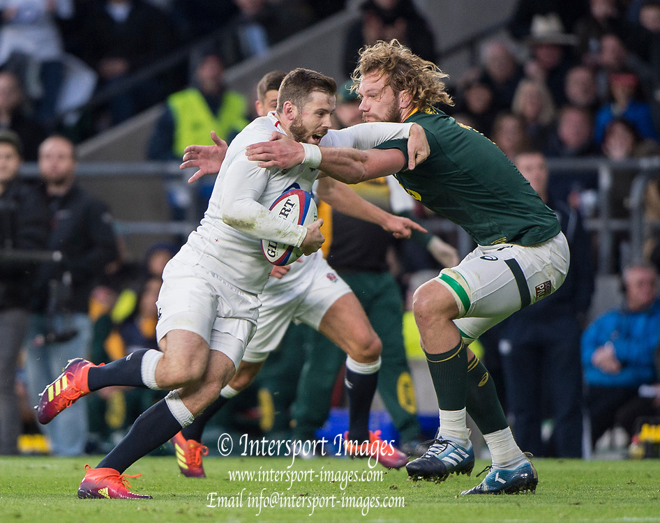 Twickenham, United Kingdom, Saturday, 3rd November 2018, RFU, Rugby, Stadium, England,   Elliot DALY, tackled by, RSA, RG SNYMAN, during the Quilter, Autumn International, England vs South Africa, © Peter Spurrier