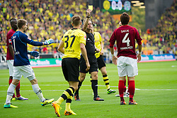 19.10.2013, Signal Iduna Park, GER, 1. FBL, GER, 1. FBL, Borussia Dortmund vs Hannover 96, 9. Runde, im Bild Hiroki Sakai (#4 Hannover) sieht die Gelbe Karte // during the German Bundesliga 9th round match between Borussia Dortmund and Hannover 96 Signal Iduna Park in Dortmund, Germany on 2013/10/19. EXPA Pictures &copy; 2013, PhotoCredit: EXPA/ Eibner-Pressefoto/ Kurth<br /> <br /> *****ATTENTION - OUT of GER*****
