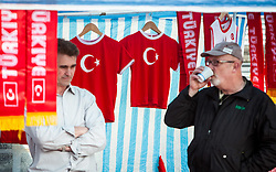 24.05.2012, Red Bull Arena, Salzburg, AUT, Freundschaftsspiel, Tuerkei vs Georgien, im Bild ein Fanartikel Verkaufsstand mit tuerkischen Fahnen, Schals und Trikots // Merchandise sales stand with Turkish flags, scarves and jerseys during friendly Football Match between the Nationateams of Turkey and Georgia at the Red Bull Arena, Salzburg, Austria on 2012/05/24. EXPA Pictures © 2012, PhotoCredit: EXPA/ Juergen Feichter