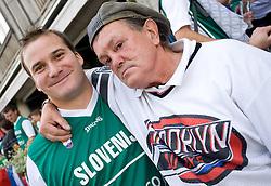 "Slovenian fans having fun before ""Slovenian"" pub BrowArmia at Eurobasket 2009, on September 07, 2009 in Warsaw, Poland. (Photo by Vid Ponikvar / Sportida)"