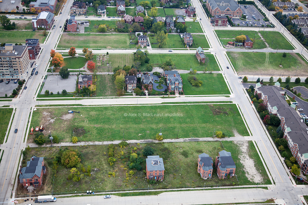 Few estates remain within the Woodward East Historic District, located within the larger Brush Park neighborhood. Abutting downtown Detroit, Brush Park was once a desirable and elite place to live.