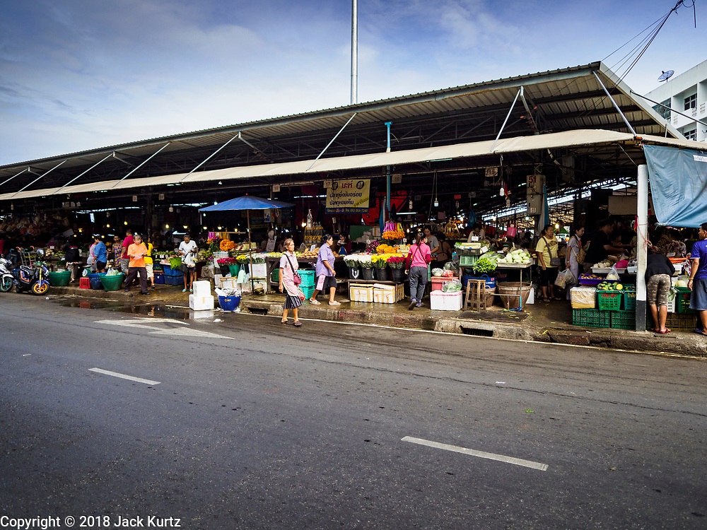 12 JULY 2018 - SAMUT PRAKAN, SAMUT PRAKAN, THAILAND:  Pak Nam market in Samut Prakan. Fish consumption recently hit a record high according to a report published this week by the United Nations Food and Agriculture Organization. The FAO reported that global fish production peaked at about 171 million tonnes in 2016, 47 percent of it from fish farming. The FAO also reported that global fish consumption between 1961 and 2016 was rose nearly twice as fast as population growth. In 2015, fish accounted for about 17 percent of the animal protein consumed globally. This has ramifications for Thailand, which has one of the world's largest fish and seafood industries. About 90% of Thailand's seafood production is exported, which accounts for about 4% of Thailand's exports.    PHOTO BY JACK KURTZ