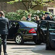 NLD/Laren/20140411 - Begrafenis slachtoffers familiedrama Schmittmann, familie en vrienden verlaten de kerk