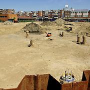 NLD/Huizen/20060703 - 1e paal geslagen voor de Regentesse Huizen