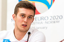 09.01.2018, Haus des Sports, Wien, AUT, EHF Euro 2018, Herren, Pressekonferenz Österreich, im Bild Nikola Bilyk (AUT) // during an Austrian Press Conference in front of the EHF 2018 European Men' s Handball Championship in Croatia at the Haus des Sports, Vienna, Austria on 2018/01/09. EXPA Pictures © 2018, PhotoCredit: EXPA/ Sebastian Pucher