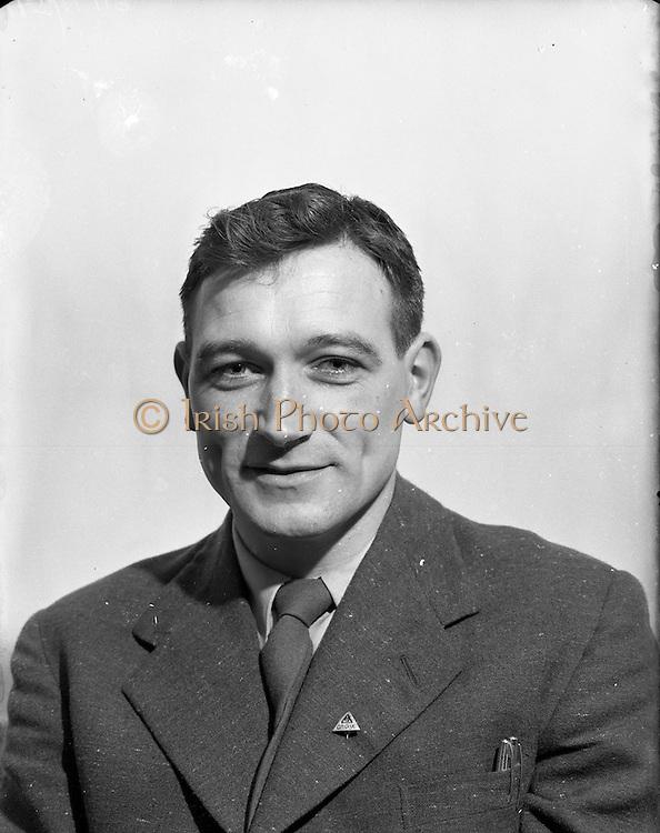 15/01/1953<br /> 01/15/1953<br /> 15 January 1953<br /> Portrait of Uinseann McEoin, architect, 20, Mallow Road, Donnybrook, Dublin.