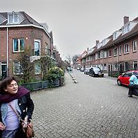 Nederland, Amsterdam , 4 december 2013.<br /> De Mussenstraat in Amsterdam Noord. 1 van de armere buurten van Amsterdam.<br /> Residents in the poorer districts of Amsterdam.