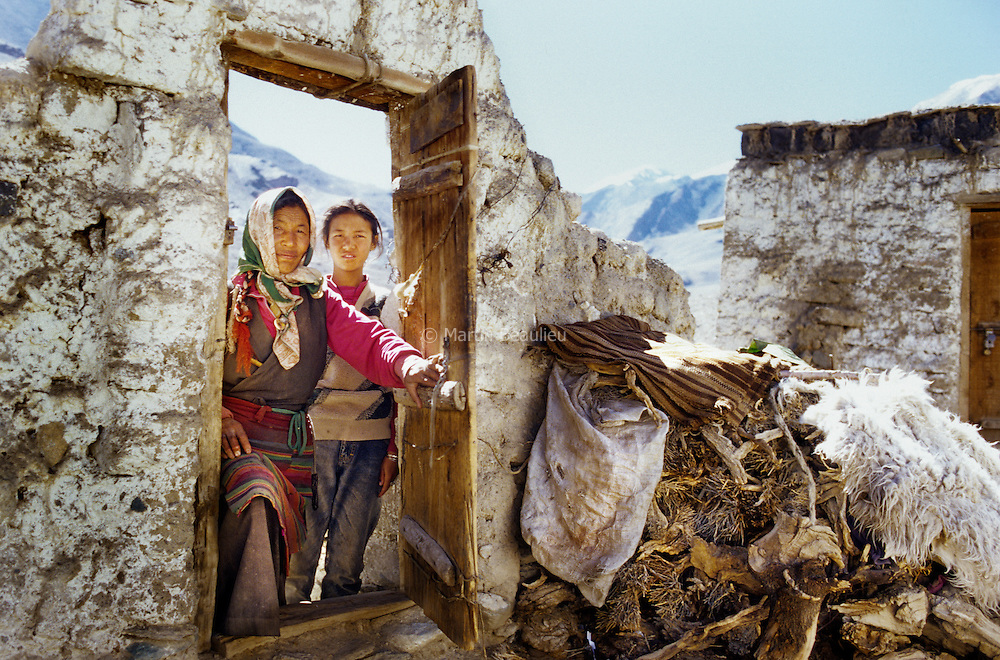 Tibetan nomads on exile in Ladakh, north India. //// Nomades tibÈtains en exil au Ladakh, nord de l'Inde.