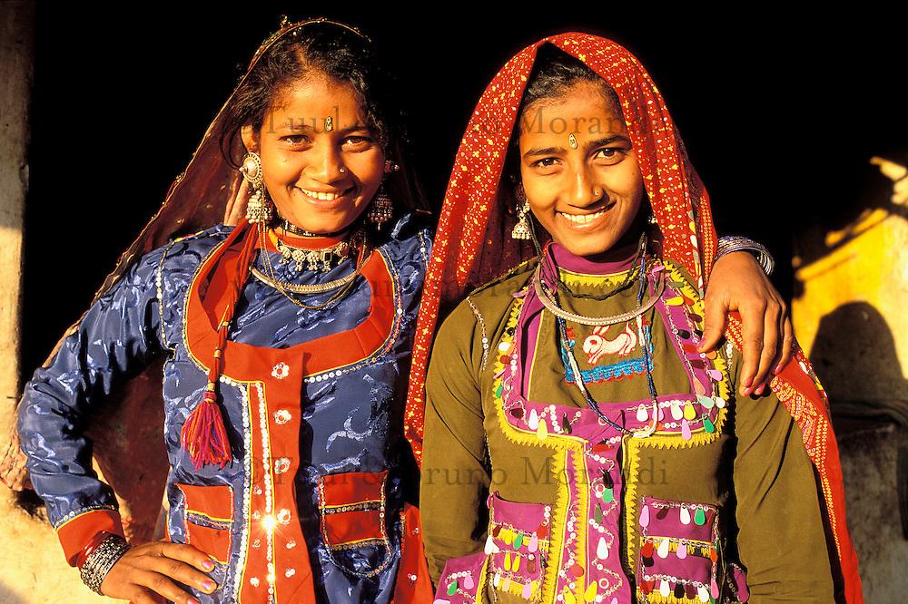 Inde. Rajasthan. Region de Ghanerao. Femme Rajpute. // India. Rajasthan. Ghanerao area. Rajpute woman.