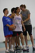 DESCRIZIONE : Alba Adriatica Nazionale Femminile Allenamento con i ragazzi di Special Crabs<br /> GIOCATORE : Benedetta Bagnara<br /> SQUADRA : Nazionale Italia Donne<br /> EVENTO : Raduno Collegiale Nazionale Femminile <br /> GARA : <br /> DATA : 23/05/2009 <br /> CATEGORIA : <br /> SPORT : Pallacanestro <br /> AUTORE : Agenzia Ciamillo-Castoria/C.De Massis