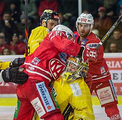 24.01.2020, Stadthalle, Klagenfurt, AUT, EBEL, EC KAC vs Vienna Capitals, 43. Runde, im Bild Manuel GEIER (EC KAC, #21), Bernhard STARKBAUM (SPUSU VIENNA CAPITALS, #29), Siim LIIVIK (EC KAC, #72) // during the Erste Bank Eishockey League 43th round match between EC KAC and Vienna Capitals at the Stadthalle in Klagenfurt, Austria on 2020/01/24. EXPA Pictures © 2020, PhotoCredit: EXPA/ Gert Steinthaler