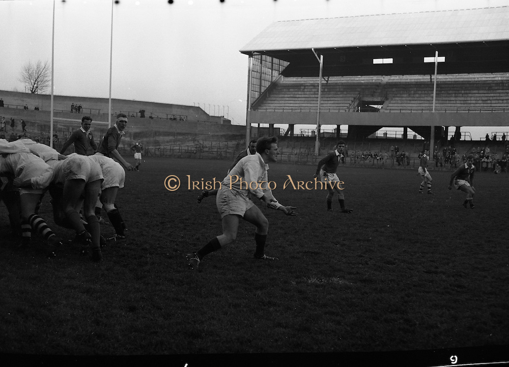 Rugby, Ulster v Leinster at Lansdowne Road..1961..09.12.1961..12.09.1961..9th December 1961..Interprovincial rugby match played between Leinster and Ulster at Lansdowne Road..Image shows some of the action during the game.