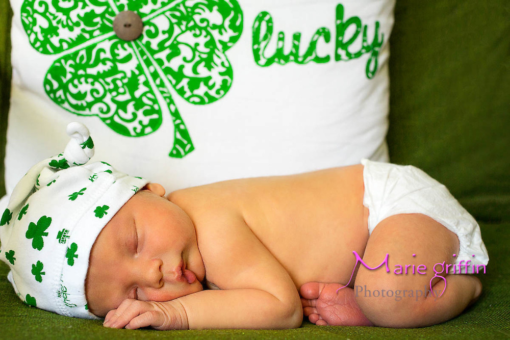 Macklin Lawrence Williams born on Sept. 12, 2014. Photo session on Sept. 18, 2014.<br /> Photography by: Marie Griffin Dennis<br /> mariegriffinphotography.com<br /> mariefgriffin@gmail.com