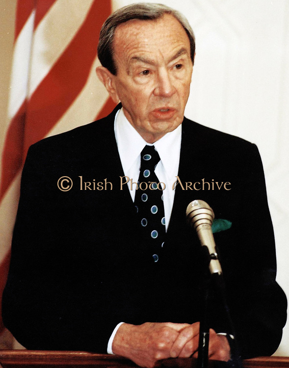 Warren Christopher (October 27, 1925 – March 18, 2011) American lawyer, diplomat and politician. United States Secretary of State 1993 – 1997