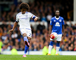 Willian of Chelsea  - Mandatory byline: Matt McNulty/JMP - 07966386802 - 12/09/2015 - FOOTBALL - Goodison Park -Everton,England - Everton v Chelsea - Barclays Premier League