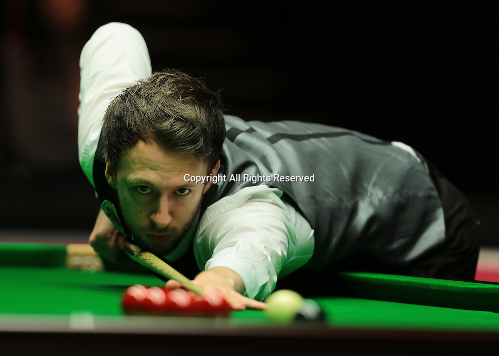 16.01.2016.  Alexandra Palace, London, England. Masters Snooker. Semi Finals. Judd Trump pots his way to winning frame four