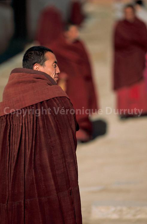 MOINES BOUDDHISTES TIBETAINS, XIAHE, CHINE