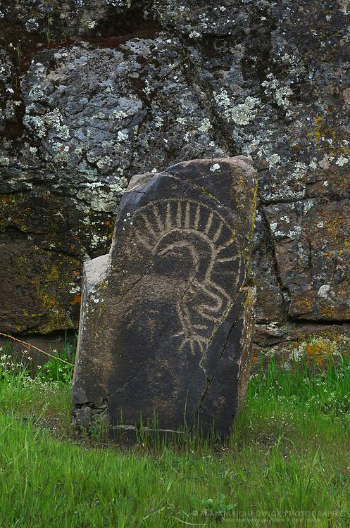 Columbia Hills State Park, Washington Horsethief Lake Petroglyphs