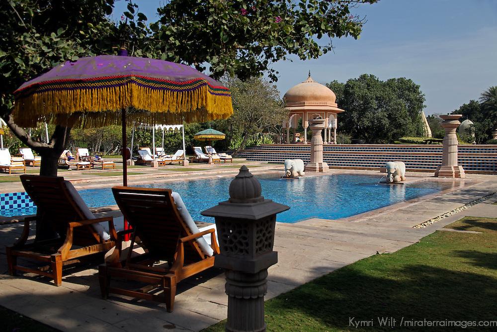 Asia, India, Jaipur. Oberoi Rajvilas pool.