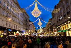 31.12.2017, Innenstadt, Wien, AUT, Wiener Silvesterpfad 2017, im Bild der Graben // during the 2017 Vienna Sylvester Path at the downtown area of Vienna, Austria on 2017/12/31. EXPA Pictures © 2017, PhotoCredit: EXPA/ Sebastian Pucher