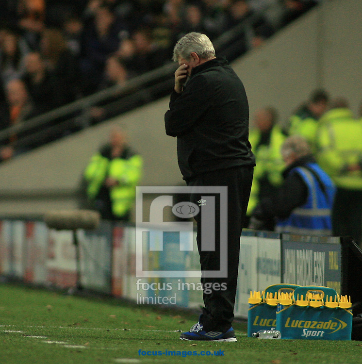 Steve Bruce Manager of Hull City after another miss on goal during the Barclays Premier League match at KC Stadium, Hull<br /> Picture by Richard Gould/Focus Images Ltd +44 7855 403186<br /> 01/11/2014