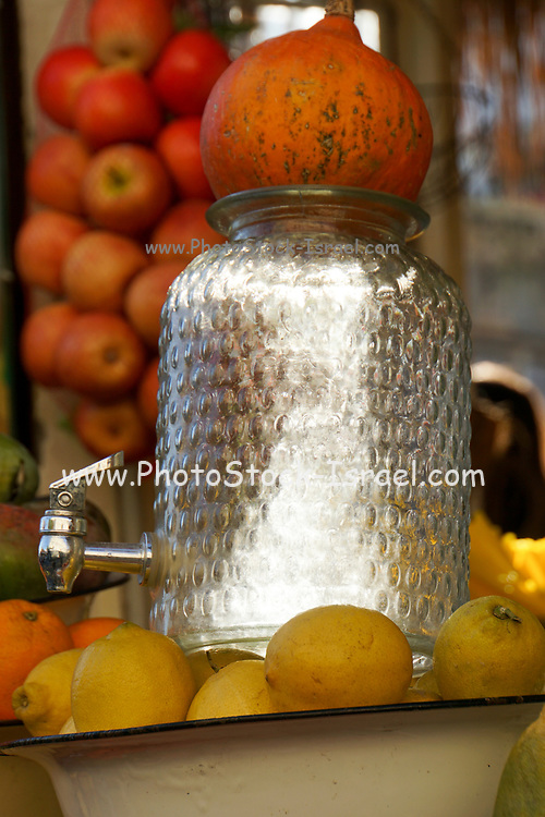 Israel, Tel Aviv, An outdoor fruit juice stall selling fresh juice