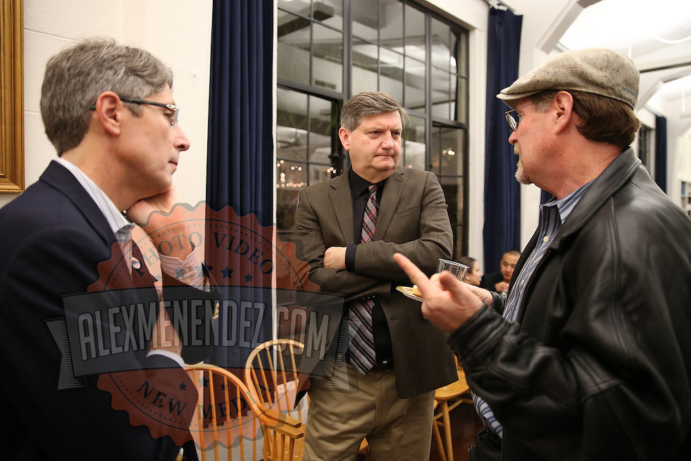 "Reporter James Risen speaks to attendees prior to the ""Prosecuting the Press"" event at the UC Berkeley Graduate School of Journalism in Berkeley, California, on Thursday, November 14, 2013. Risen, the New York Times national security reporter is facing jail for refusing to comply with a subpoena to reveal his sources in relation to his book titled State of War: The Secret History of the CIA and the Bush Administration. (AP Photo/Alex Menendez)"