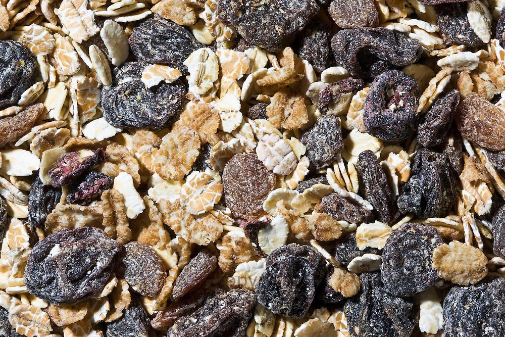 Organic fruit and nut muesli