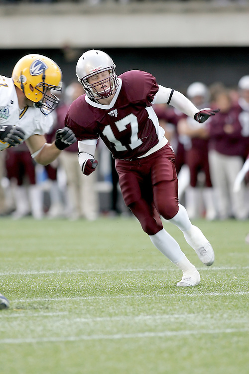 (20 October 2007 -- Ottawa) The University of Ottawa Gee Gees football team defeated the University of Windsor Lancers 43-2 to complete a perfect undefeated season. The player pictured is Mike Sheridan