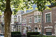Wohnhäuser am Bld. Dolez, Mons, Hennegau, Wallonie, Belgien, Europa | houses on Bld. Dolez, Mons, Hennegau, Wallonie, Belgium, Europe