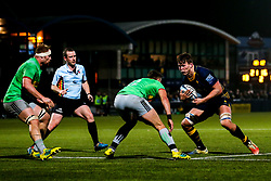 Ted Hill of Worcester Warriors takes on James Lang of Harlequins - Mandatory by-line: Robbie Stephenson/JMP - 23/11/2018 - RUGBY - Sixways Stadium - Worcester, England - Worcester Warriors v Harlequins - Gallagher Premiership Rugby