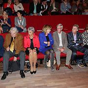 NLD/Hilversum/20121003- Boekpresentatie De Iconen van het NOS Achtuurjournaal, Joop van Zijl, Eugenie Herlaar, Pia Dijkstra, Herman Siezen, Rob Trip, Noortje van Oostveen, Eef Brouwers