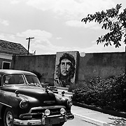 A mosaic of Ché Guevera lines a street in Matanzas, Cuba.