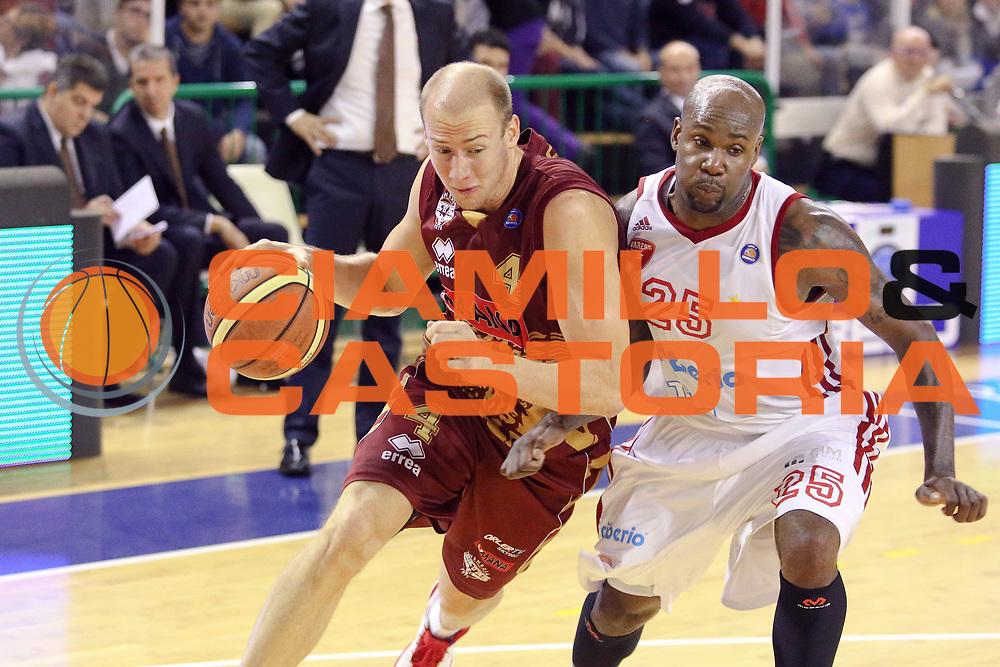 DESCRIZIONE : Milano Lega A 2013-14 Cimberio Varese vs Umana Reyer Venezia <br /> GIOCATORE : Peric Hrvoje<br /> CATEGORIA : Palleggio<br /> SQUADRA : Umana Venezia<br /> EVENTO : Campionato Lega A 2013-2014<br /> GARA : Cimberio Varese vs Umana Reyer Venezia<br /> DATA : 27/10/2013<br /> SPORT : Pallacanestro <br /> AUTORE : Agenzia Ciamillo-Castoria/I.Mancini<br /> Galleria : Lega Basket A 2013-2014  <br /> Fotonotizia : Milano Lega A 2013-14 EA7 Cimberio Varese vs Umana Reyer Venezia<br /> Predefinita :
