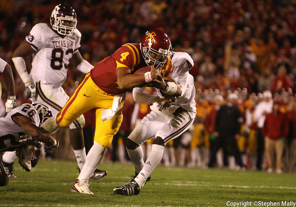 25 OCTOBER 2008: Iowa State quarterback Austen Arnaud (4) dives for the end zone for a touchdown in the second half of an NCAA college football game between Iowa State and Texas A&M, at Jack Trice Stadium in Ames, Iowa on Saturday Oct. 25, 2008. Texas A&M beat Iowa State 49-35.