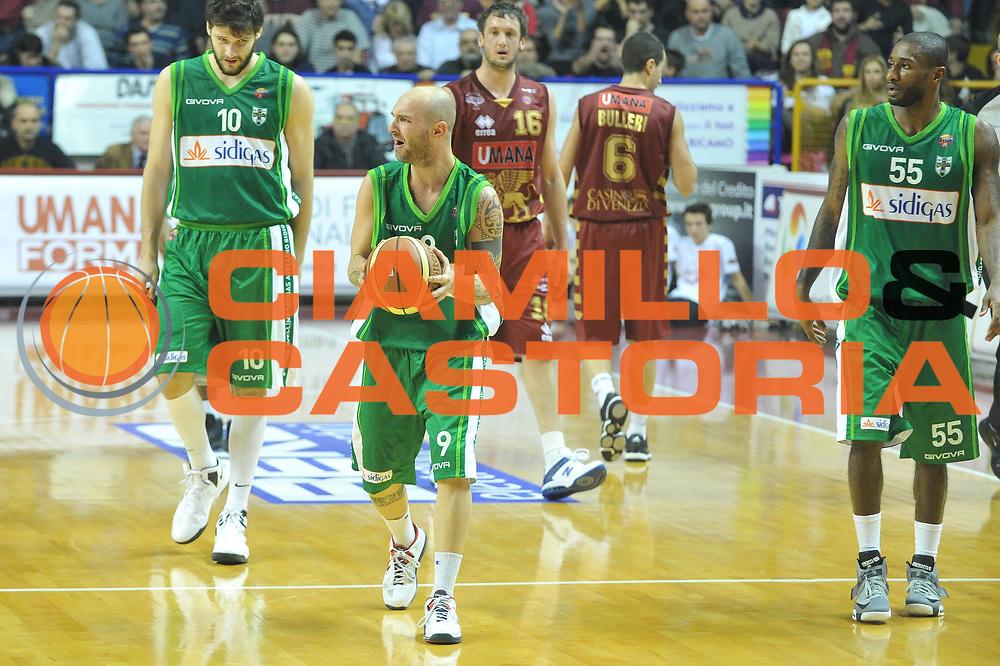 DESCRIZIONE : Venezia Lega A 2012-13  Umana Venezia Sidigas Avellino<br /> GIOCATORE : valerio spinelli<br /> CATEGORIA : curiosita delusione<br /> SQUADRA : Umana Venezia Sidigas Avellino<br /> EVENTO : Campionato Lega A 2012-2013 <br /> GARA : Umana Venezia Sidigas Avellino<br /> DATA : 06/01/2013<br /> SPORT : Pallacanestro <br /> AUTORE : Agenzia Ciamillo-Castoria/M.Gregolin<br /> Galleria : Lega Basket A 2012-2013  <br /> Fotonotizia : Venezia Lega A 2012-13 Umana Venezia Sidigas Avellino<br /> Predefinita :