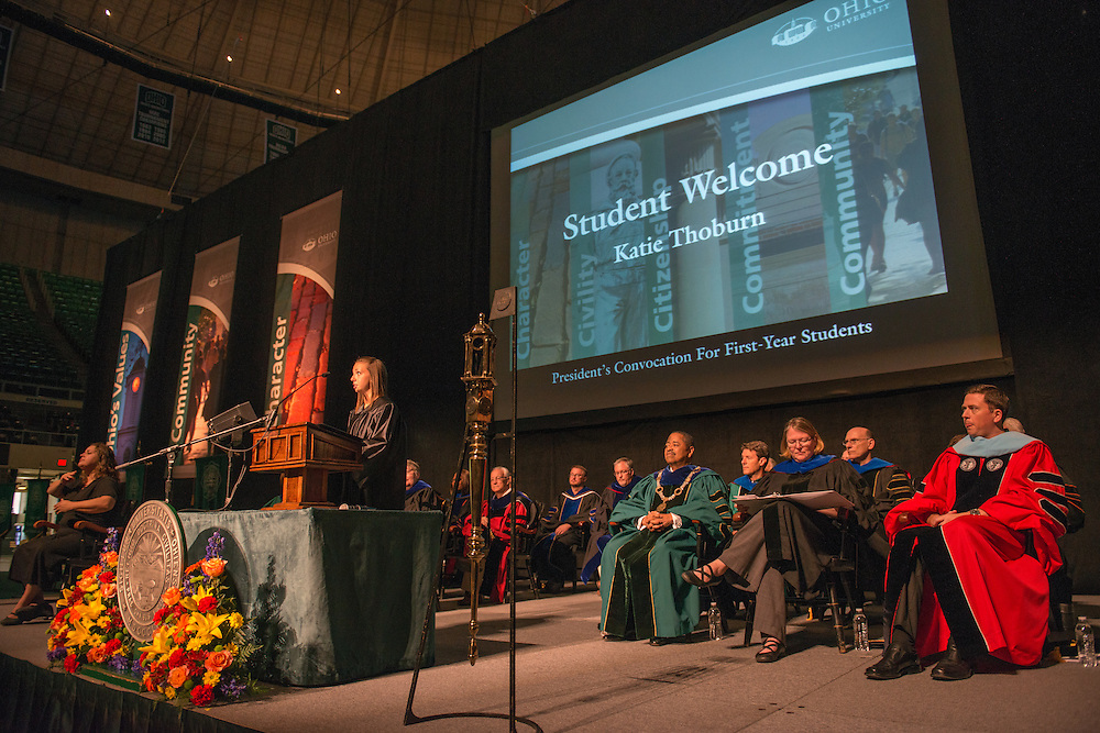 Ohio University student Katie Thoburn welcomes first year students at the First Year Convocation. Photo by Ben Siegel
