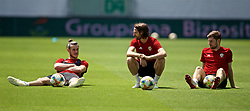 BUDAPEST, HUNGARY - Monday, June 10, 2019: Wales' captain Gareth Bale, Joe Allen and Ben Davies during a training session ahead of the UEFA Euro 2020 Qualifying Group E match between Hungary and Wales at the Ferencváros Stadion. (Pic by David Rawcliffe/Propaganda)