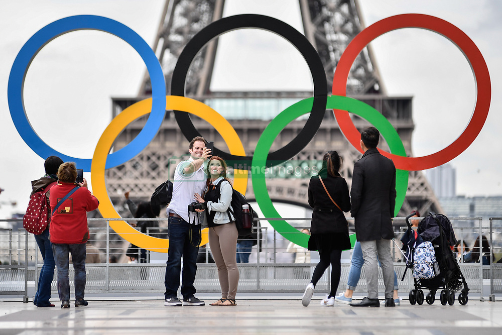 September 18, 2017 - Paris, France - After wining the 2024 olympic organisation, Paris put the Olympics Rings at the place of Honor in front of the Eiffel tower at the Trocadero' s place, in Paris, France, on September 18, 2017. (Credit Image: © Julien Mattia/NurPhoto via ZUMA Press)