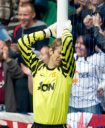 BOLTON, ENGLAND - Sunday, September 26, 2010: Manchester United's goalkeeper Edwin van der Sar looks dejected after Bolton Wanderers score the second goal during the Premiership match at the Reebok Stadium. (Photo by David Rawcliffe/Propaganda)